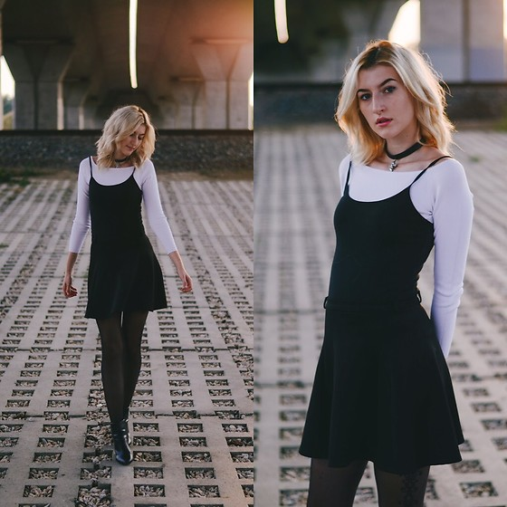 the research 90s black and white dress