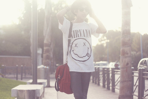 Mohamed T - Nirvana Tee, Zara Bag, Zara Skinny Jean - Smells like teen spirit