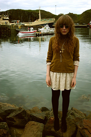 Sibba Stef - Vintage Sweater, Warehouse Dress - Ahoy