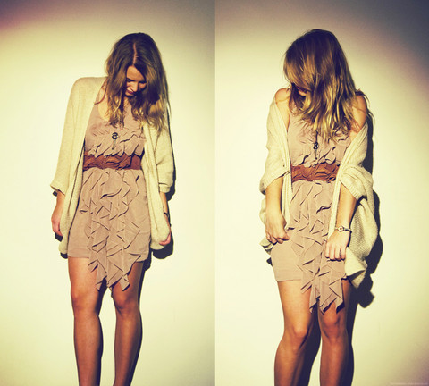 Lisa Dengler - H&M Frilly Dress, Topshop Beige Knitted Cardigan, Zara Suede Bow Belt - You believe in soul mates?