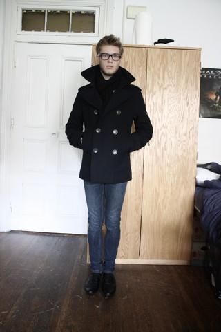 Dorian Sanders - H&M Wool Peacoat - Fall Weather Look
