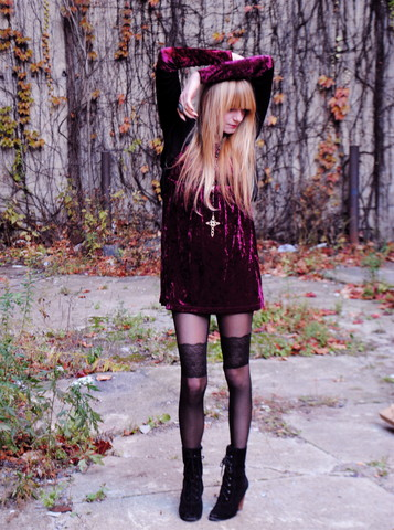 K Isabella - Forever 21 Velvet Dress, Deena And Ozzy Boots, Ghasty Tights - The velveteen rabbit