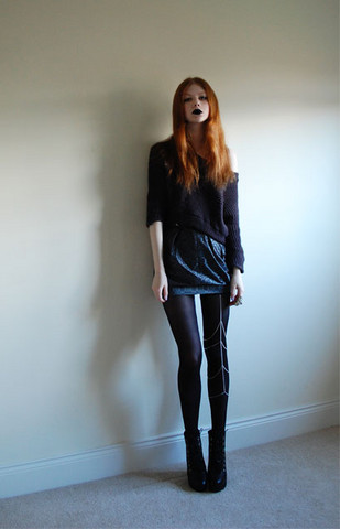 Tahti Syrjala - Topshop Jumper, River Island Skirt, Chains Of Love Leg Cage, Topshop Boots - 18.11 ; Feeling Blue