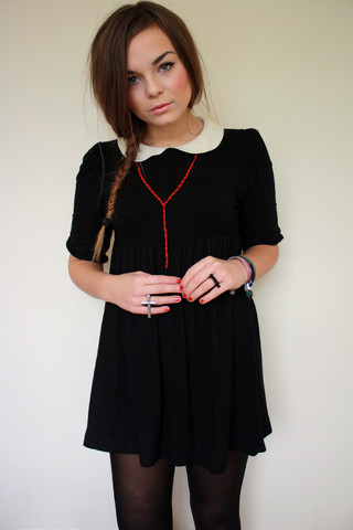 Lily Melrose - Asos Peter Pan Tunic, Via Ebay See Link Knotted Rosary, Asos Cross Ring - Wednesday addams