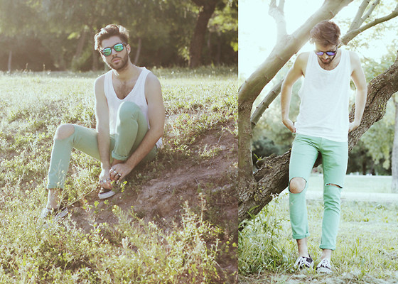 JJ Reyes - Zara Tank Top, Zara Diy Jeans, Vans Shoes, Zerouv Sunglasses - Park Place