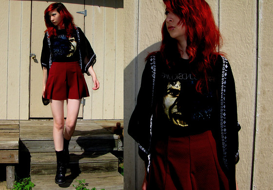 "Michelle Blue - La Hearts Black And White Embroidered Kimono, Hot Topic Black 30 Second To Mars Band T Shirt, Kirra Maroon Skater Skirt, Bananabay Black Combat Boots - ""The Battles Of Your Youth"""