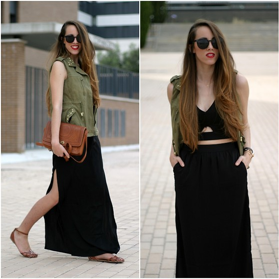Talía Cardeña - Lovely Whole Sale Vest, Bershka Skirt, Frontrowshop Crop Top - Military vest