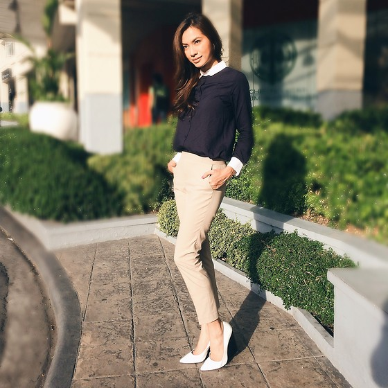 Divine Lee - Zara White Pumps, Uniqlo Khaki Pants, Uniqlo Button Down Shirt - D in Uniqlo