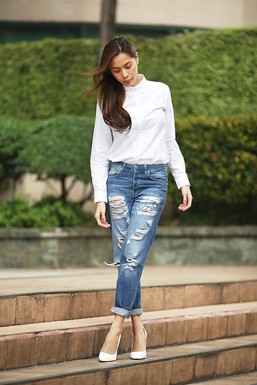 Divine Lee - Topshop Jeans, Zara White Wedges, Uniqlo White Oxford - D in Uniqlo