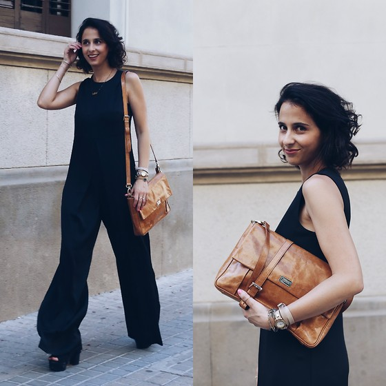 Milagros Plaza - Mango Black Palazzo Jumpsuit, Aita Camel Leather Bag, Zara Black Platform Sandals, La Mer Collection Nude Leather Watch - Mono palazzo