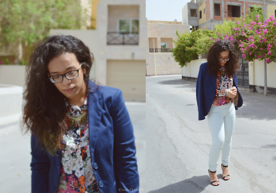 Nada Qamber -  - Blue over floral