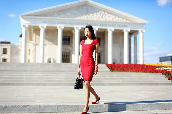 Aibina Yeshkeyeva - Celebindress Red Dress, Daniel Wellington Watch, Jimmy Choo Red Shoes - GLORIOUS DAY