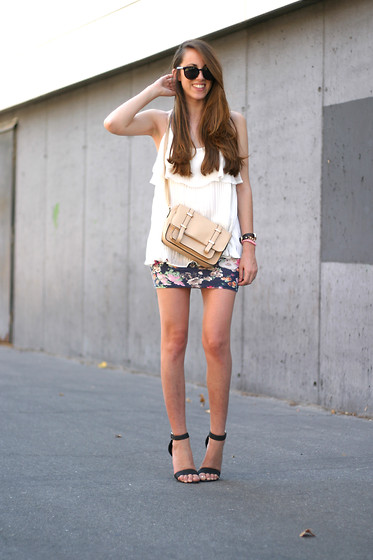 Talía Cardeña - Chic Wish Top, Primark Bag, Bershka Skirt, Primark Sandals - PLEATED TOP