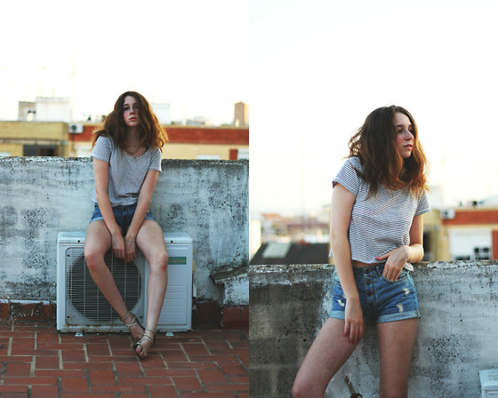 Francesca S - Mango Crop Top, Brandy Melville Usa High Waisted Shorts, Mango Sandals, H&M Necklace - High waisted