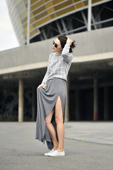 Shiny Syl -  - Grey maxi skirt
