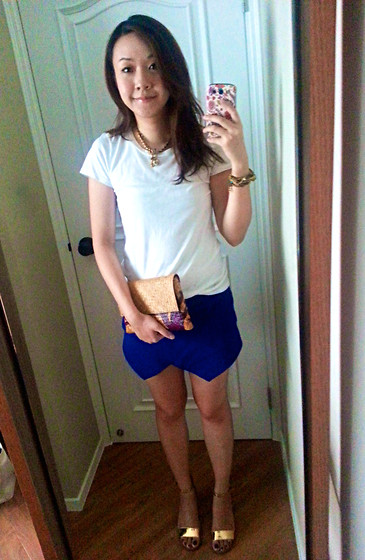 Rita C - Gap Simple White Tshirt, Zara Blue Shorts, Zara Golden Sandals, Juicy Couture Necklace, Furla Chain Of Golden Bracelets - Sometime causal_080714