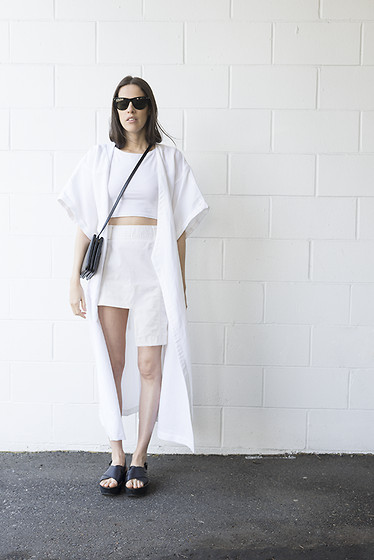 Melissa Araujo - Rodejber Coat, Cyeoms Crop Top, Céline Bag, Melissa Araujo Skirt, Zara Sandals - Summer Coats