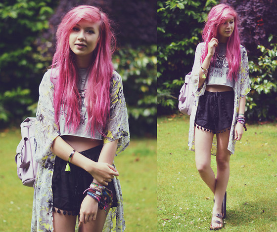 Amy Valentine - Style Moi Layered Necklace, Lily Lulu Floral Kimono, Oasap Beastie Boys Tee, Lily Lulu Pom Pom Shorts, Grafea Lilac Rucksack, Missguided Clear Platform Sliders - WHEN REVELATION COMES