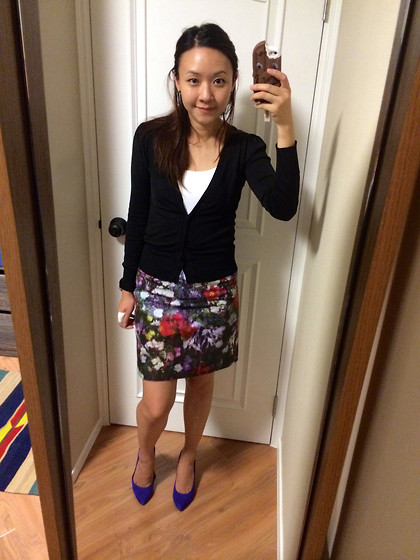 Rita C - Paul Smith Floral Skirt, Le Saunda Purple Pumps - Improvise_081414