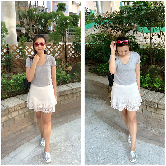 Rita C - Polo Ralph Lauren Simple Grey Tee, H&M Lace Skirt - So hot outside_081714