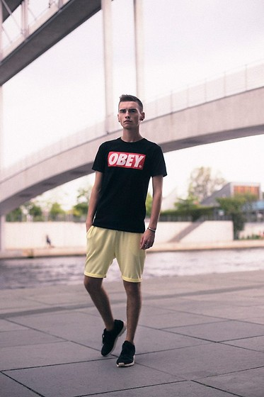 Romek Gelard Gello - Obey T Shirt, Shorts Game On, Black Zx Flux - Down by the River