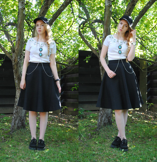 Noora V - H&M Skirt, H&M Cap, Daniel Wellington Watch, Underground Creepers, Urban Outfitters Body Chain - Someday I´ll know