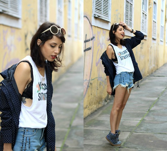 Glena Martins - Mart Of China Coat, Qix Sneakers, Zerouv Round Sunnies, Uh Lalah Top, Oasap Shorts - City Grrrl