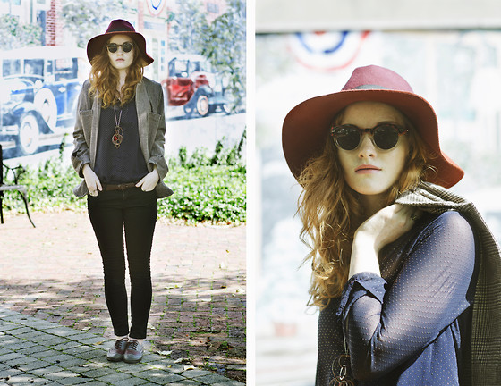 Esther Boller - Zerouv Vintage Circle Glasses, Style Moi Animal Ring Set, Lebunny Bleu Wine Oxfords - A hat kind of day