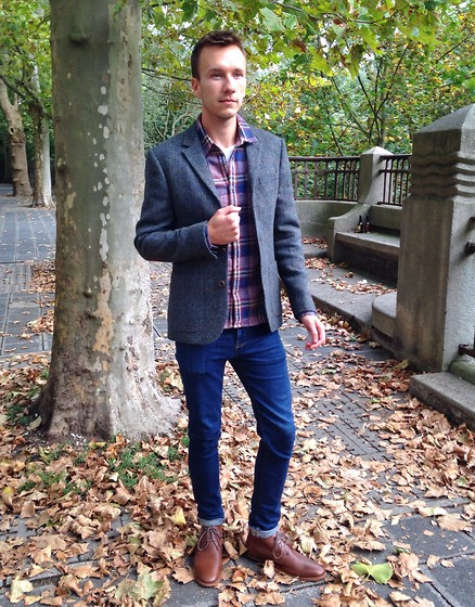 Sven A - Asos Tweed Blazer, Scotch & Soda Checked Shirt, Asos Jeans, Frank Wright Desert Boots - Check meets Tweed