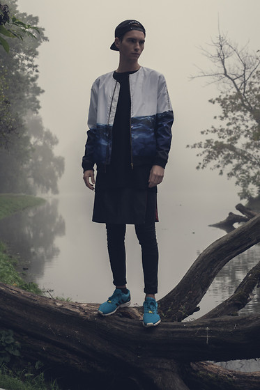 Romek Gelard Gello - Admirable Bomber, Panel, Adidas Zx Flux Originals, Black Longsleeve - The Mist