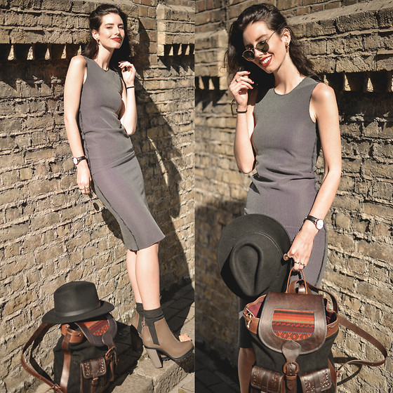 Elle-May Leckenby - Reversible Tube Dress, Beara Manolo Backpack, Melissa Aus Soldier Boot, Black Hat - Sun baking