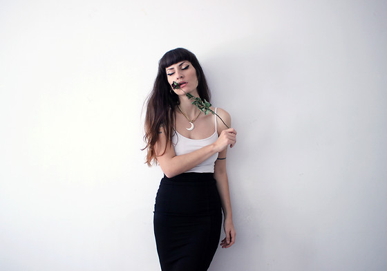 Nadia Drogouli - Zara Basic Top, Zara Basic Pencil Skirt, Luna Nera Necklace - Emptiness
