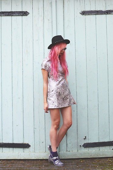 Amy Valentine - H&M Fedora, Motel Rocks Lilac Haze Cheeky Dress, Juju Silver Glitter Jelly Sandals - LILAC HAZE