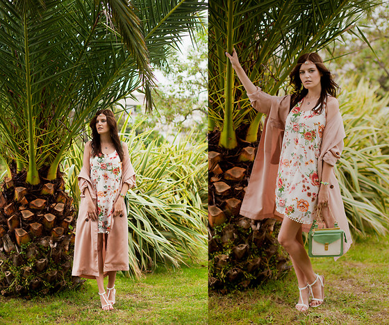 Viktoriya Sener - Stylemoi Hair Crown, Stylemoi Dress, Frontrowshop Duster Coat, Stylemoi Bracelet, Stylemoi Bag, Mango Sandals - INDIAN FALL
