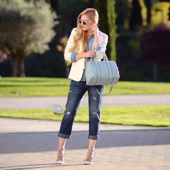Henar Vicente - Mango Blazer, Givenchy Bag, Current / Elliott Jeans, Valentino Shoes - Double denim