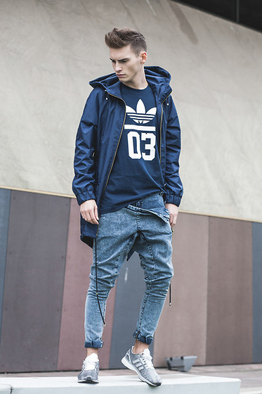 Romek Gelard Gello - Trousers Madox Design, Parka Madox Design, Adidas T Shirt Originals, Zx Flux Tech - FATE