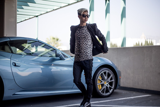 Tommy Lei - Tom Ford Campbell Sunglasses, Balmain Black Blazer, Boohoo Leopard Shirt, Zara Quilted Trousers, Saint Laurent Zip Up Boots - FERARRI