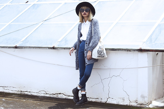 Vu Thien - Young Hungry Free Cardigan, Young Hungry Free Jeans, Canvas Bag, Dr. Martens Boots - DON'T TRUST ANYONE