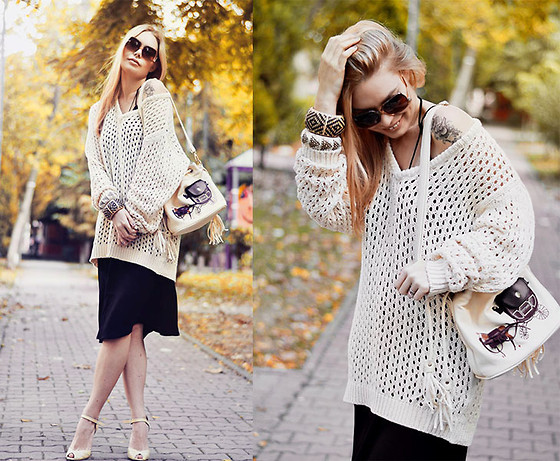 Kseniya Celikdelen - Zara Sweater, İnci Shoes - GOLD DAYS
