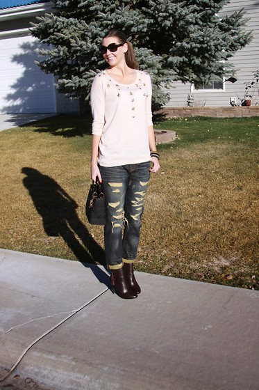 Cindy Batchelor - Paper Fox Shay Distressed Jeans - Distressed denim for Fall