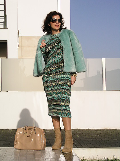 Teresa Leite - Missoni Self Made Missoni Esque Dress, Zara Mint Fur Jacket, Mango Beige Patent Tote Bag - Mint Furry Vibes (self-made dress)