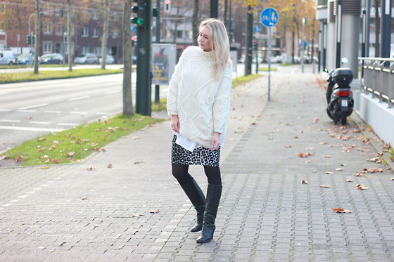 The Fancy Lifestyle -  - White knit