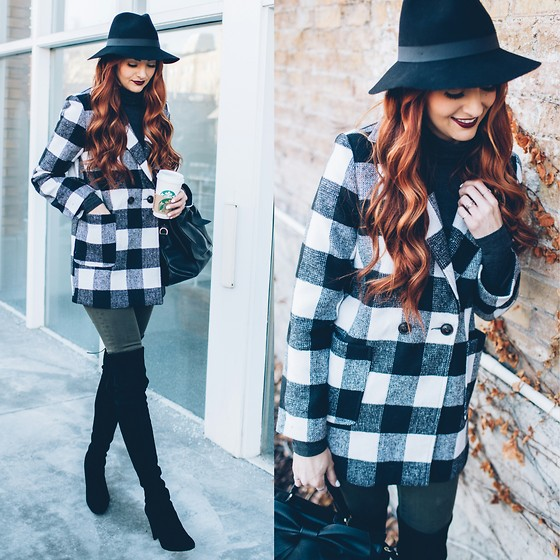 Jackie Welling - Missguided Checkered Coat - Checkered Winter Style