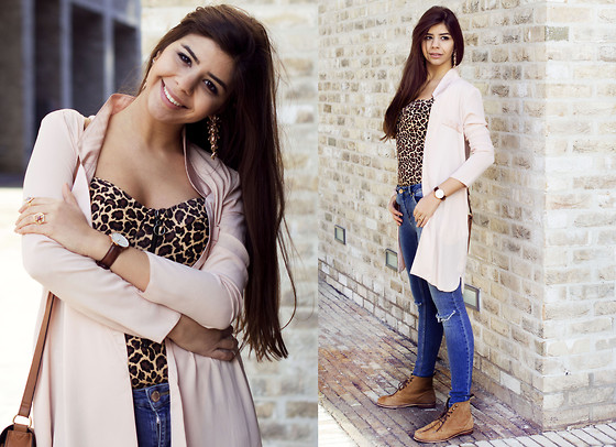 Reneta Kanevska - Asos Body, Asos Blazer, Daniel Wellington Watch, Miss Selfridge Jeans, Asos Booties, Asos Bag - Pink & Leopard