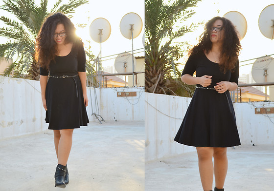 Nada Qamber - New Look Arm Length Black Dress, New Look Ankle Black Boots - All Black
