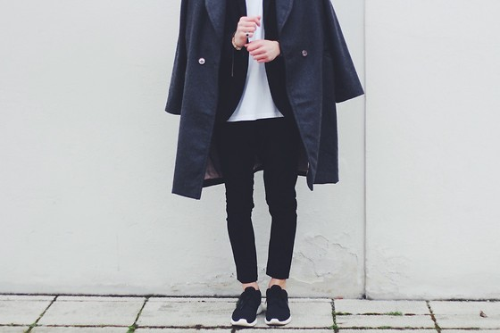 Richy Koll - Nike Rosh Run, H&M Over Coat, H&M Jeans, H&M Blazer - I'm what i'm ✌️