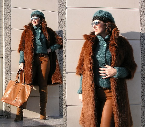 Teresa Leite - Tany Couture Self Made Faux Fur Coat, Tany Couture Self Made Knit Mohair Knit Cardigan, Tany Couture Self Made Crochet Beret, Zara Waxed Skinny Jeans (Old), Zara Suede Knee High Boots, Zara Leather Tote Bag (Old) - Cold Days, Hot Nights