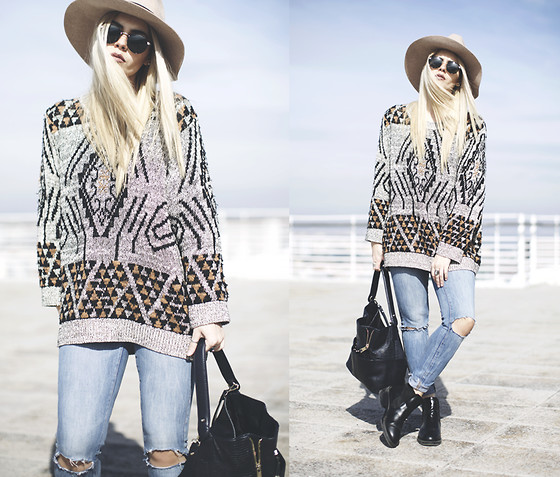 Inês M - H&M Sweater, Asos Sunglasses, Mango Ripped Jeans, Zara Bag, Zara Boots, Asos Hat - Changing seasons