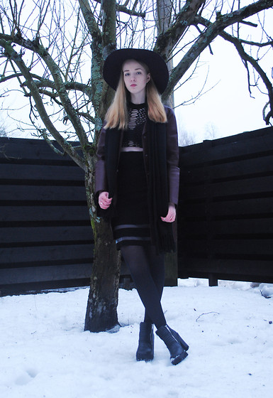 Noora V - Zara Leather Coat, Alexander Wang Dress, H&M Hat, Pieces Scarf, H&M Shoes, Lumi Irina Saddle Bag - I Will Wait