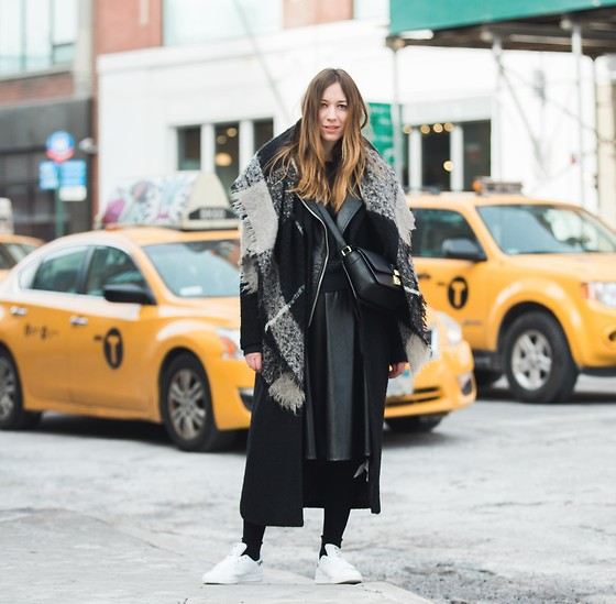 Gabrielle Lacasse - 3.1 Phillip Lim Messenger Bag, Bizou Plaid Blanket Scarf, Adidas Stan Smith, Forever 21 Long Coat - NYFW, the cold and cabs